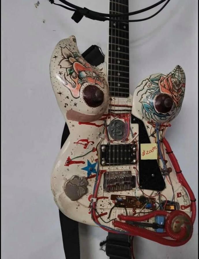 https://medias.audiofanzine.com/images/thumbs3/autres-guitares-electriques-solid-body-2964108.jpg