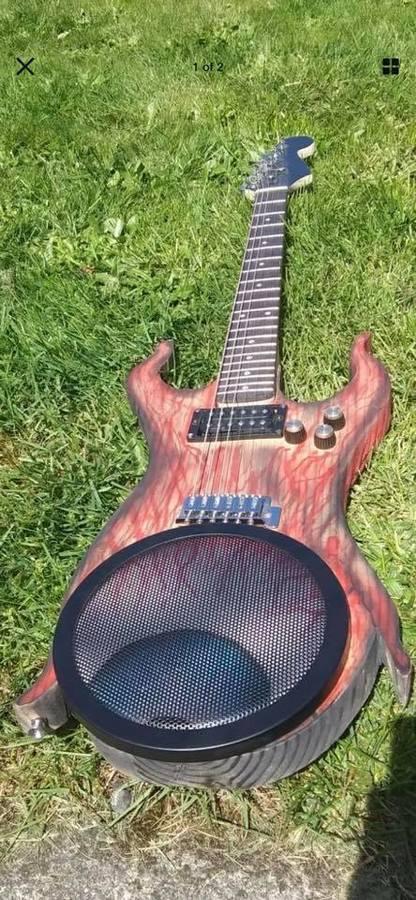 https://medias.audiofanzine.com/images/thumbs3/autres-guitares-electriques-solid-body-2969152.jpg