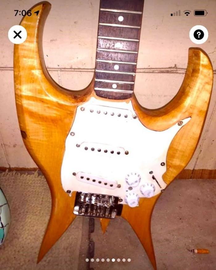 https://medias.audiofanzine.com/images/thumbs3/autres-guitares-electriques-solid-body-3094144.jpg
