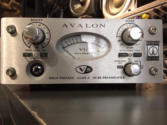 2 AV F1.JPG