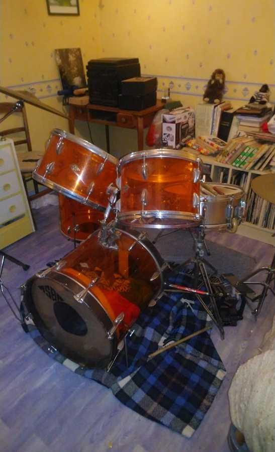 https://medias.audiofanzine.com/images/thumbs3/batteries-et-percussions-3120448.jpg