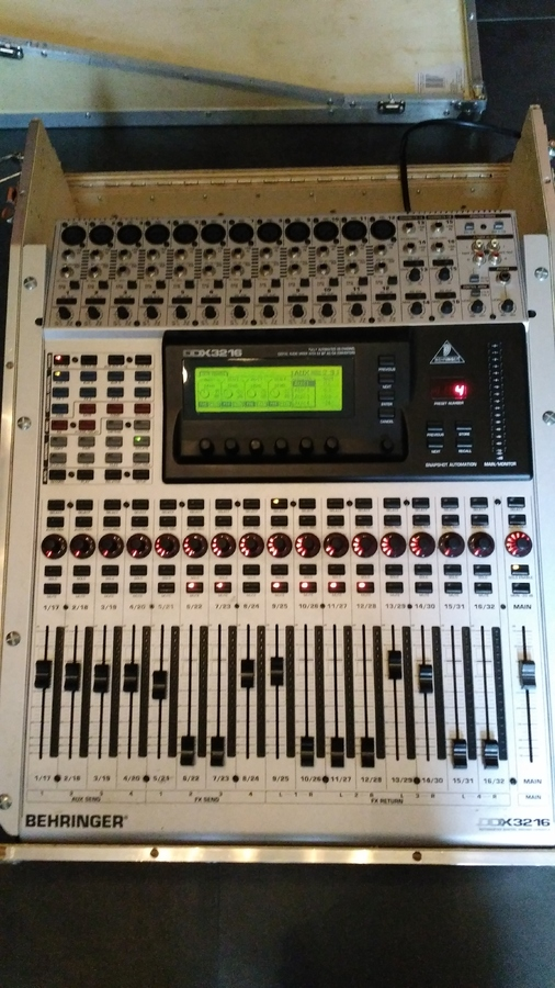 Photo behringer ddx3216 behringer ddx3216 17528 1464000 audiofanzine - Console numerique behringer ...