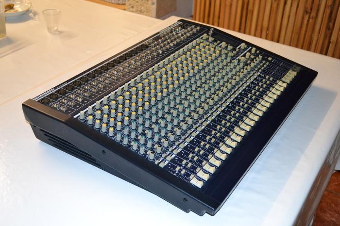 Behringer Eurodesk Mx2442a : behringer eurodesk mx2442a image 651971 audiofanzine ~ Russianpoet.info Haus und Dekorationen