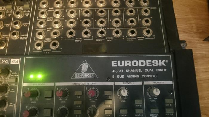 Behringer Eurodesk MX8000 (77741)