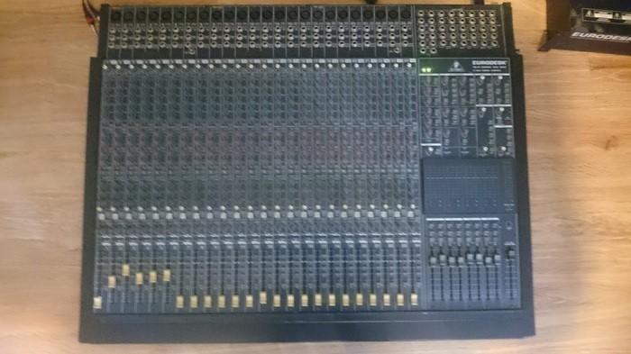 Behringer Eurodesk MX8000 (14044)