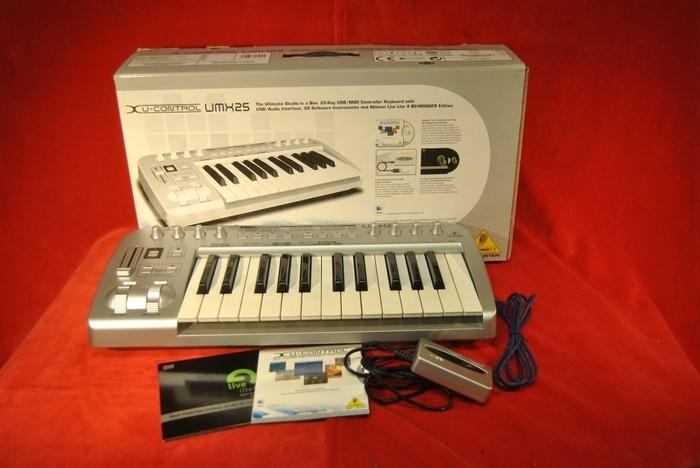 vend clavier maitre behringer umx25 interface audio auvergne audiofanzine. Black Bedroom Furniture Sets. Home Design Ideas