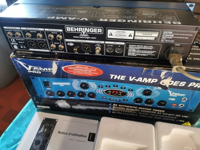 Behringer V-Amp Pro