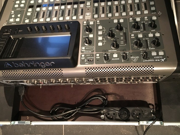 Behringer X32 Compact (63806)