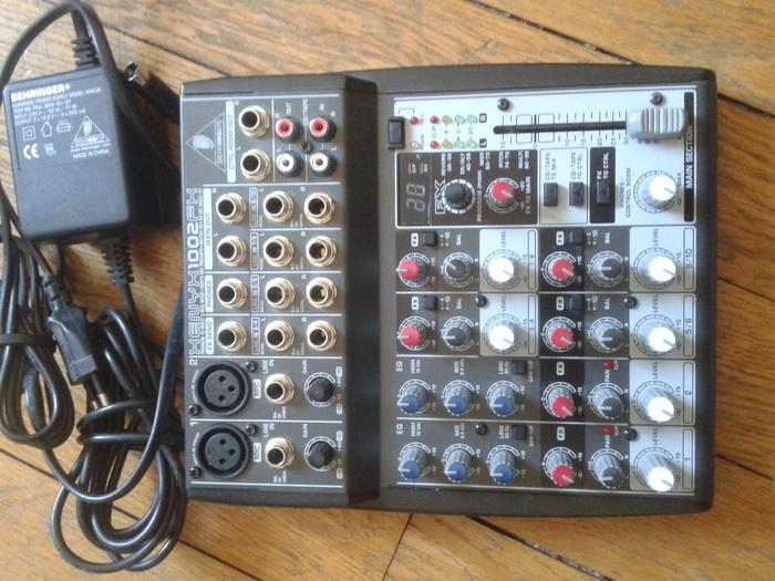 vends table de mix behringer xenyx 1002fx ile de france audiofanzine. Black Bedroom Furniture Sets. Home Design Ideas
