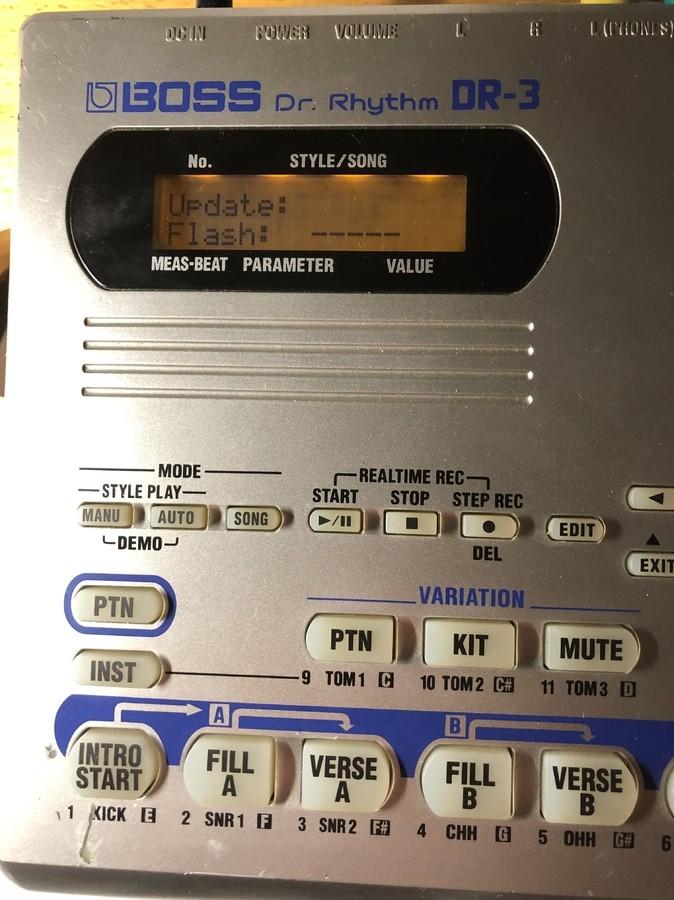 https://medias.audiofanzine.com/images/thumbs3/boss-dr-3-dr-rhythm-2982385.jpeg