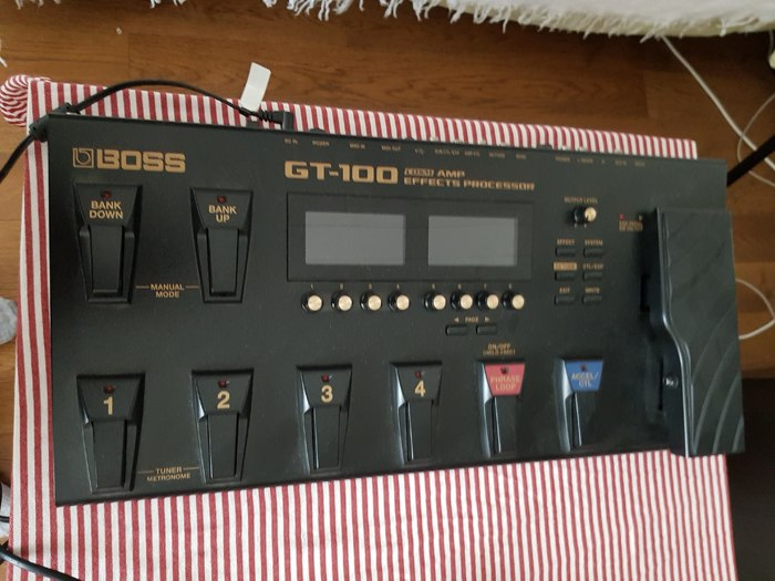 Boss GT-100 (37840)