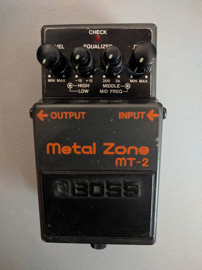 Boss MT-2 Metal Zone Rotpiet images
