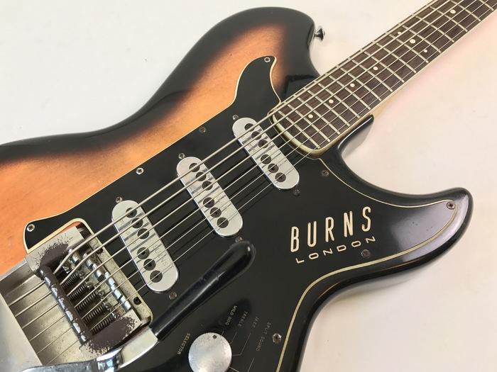 burns guitars split sound 6 strings bass image 1761143 audiofanzine. Black Bedroom Furniture Sets. Home Design Ideas