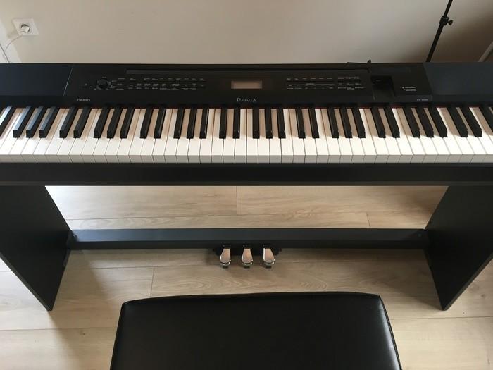PHOTO 1 PIANO.JPG