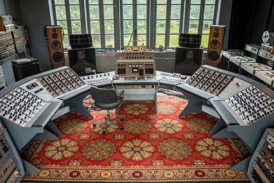 https://medias.audiofanzine.com/images/thumbs3/celestion-ditton-66-studio-monitor-2940667.jpg