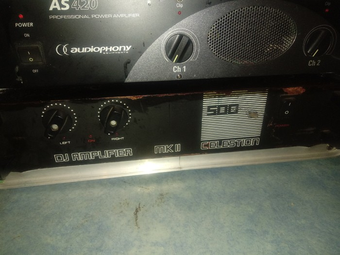 https://medias.audiofanzine.com/images/thumbs3/celestion-dj-amplifier-mkii-300-2822954.jpg