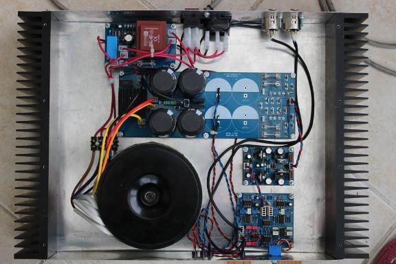https://medias.audiofanzine.com/images/thumbs3/construction-de-micros-amplis-preamplis-2298896.jpg