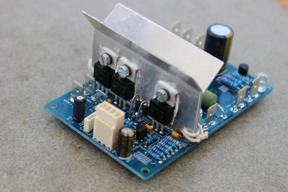 https://medias.audiofanzine.com/images/thumbs3/construction-de-micros-amplis-preamplis-2298950.jpg