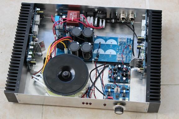 https://medias.audiofanzine.com/images/thumbs3/construction-de-micros-amplis-preamplis-2299251.jpg