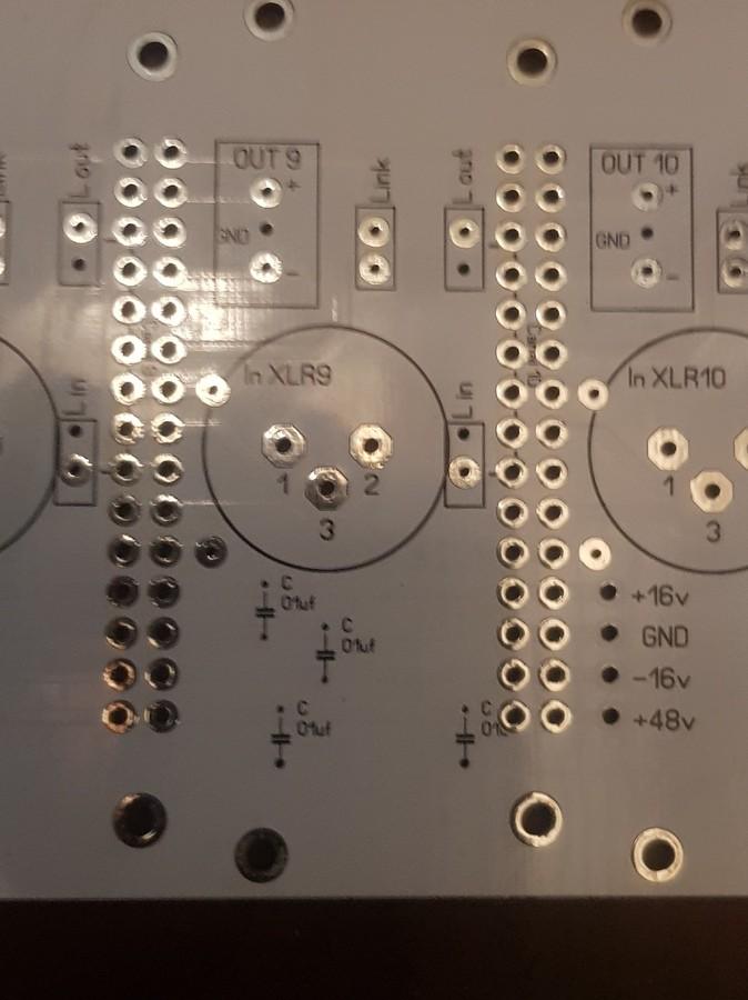 https://medias.audiofanzine.com/images/thumbs3/construction-de-micros-amplis-preamplis-2440267.jpg