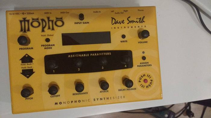 Dave Smith Instruments Mopho chessirechat images
