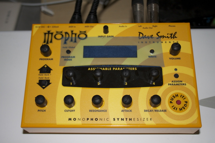 dave smith instruments mopho image 407068 audiofanzine. Black Bedroom Furniture Sets. Home Design Ideas