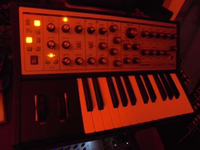 Dave Smith Instruments Prophet REV2 16 voix (21442)