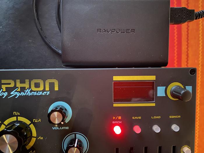 https://medias.audiofanzine.com/images/thumbs3/dreadbox-typhon-3149259.jpg