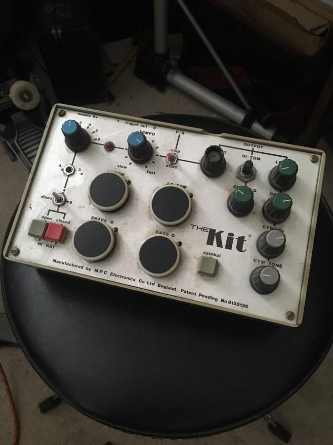 https://medias.audiofanzine.com/images/thumbs3/drum-machines-2720935.jpeg