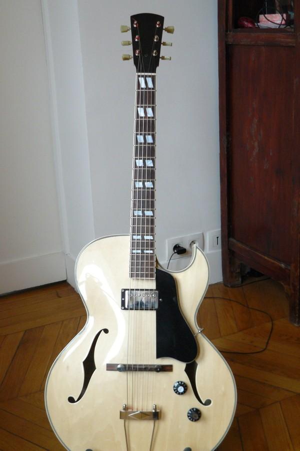 Eastman AR371CE (53638)