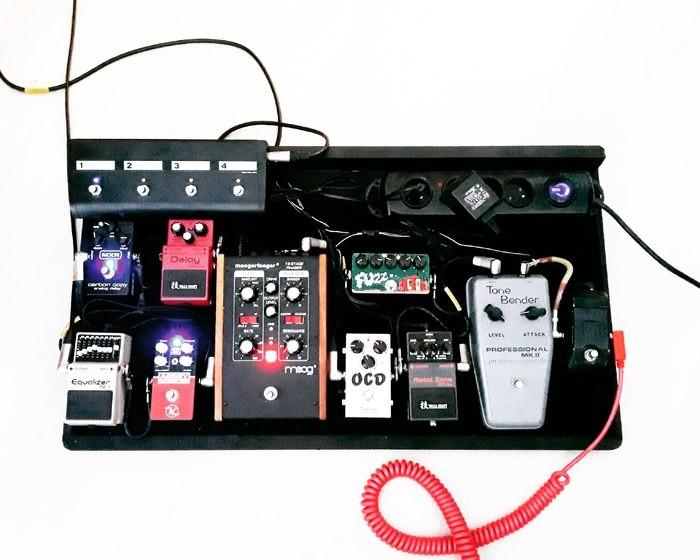 https://medias.audiofanzine.com/images/thumbs3/effets-guitare-2798859.jpg