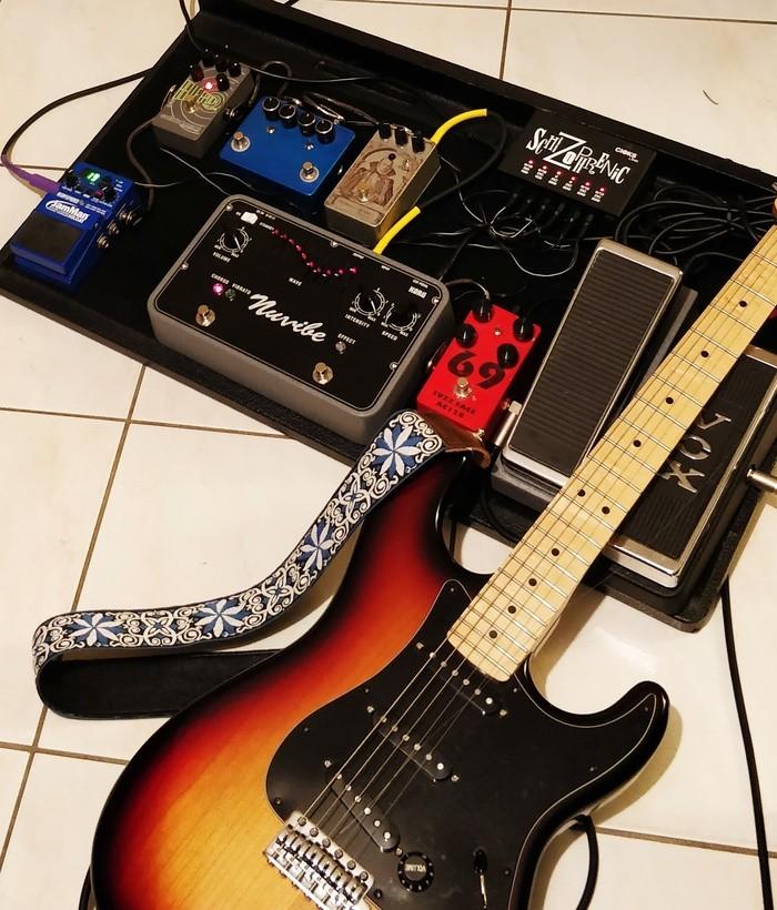 https://medias.audiofanzine.com/images/thumbs3/effets-guitare-2840383.jpg