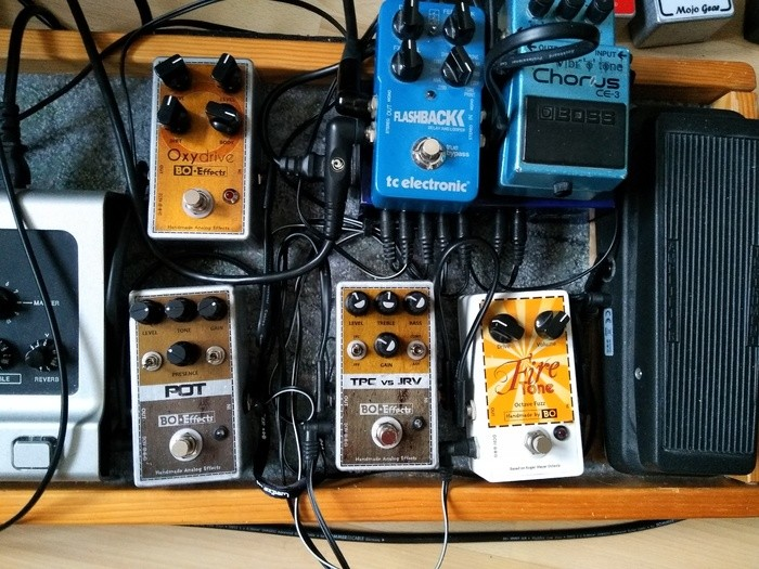 https://medias.audiofanzine.com/images/thumbs3/effets-guitare-2842100.jpg