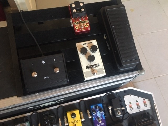 https://medias.audiofanzine.com/images/thumbs3/effets-guitare-2932070.jpg