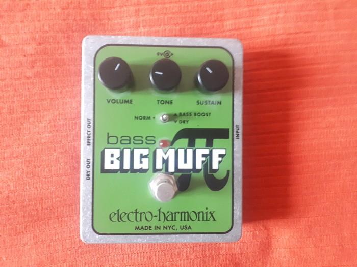 Electro-Harmonix Bass Big Muff Pi (5715)