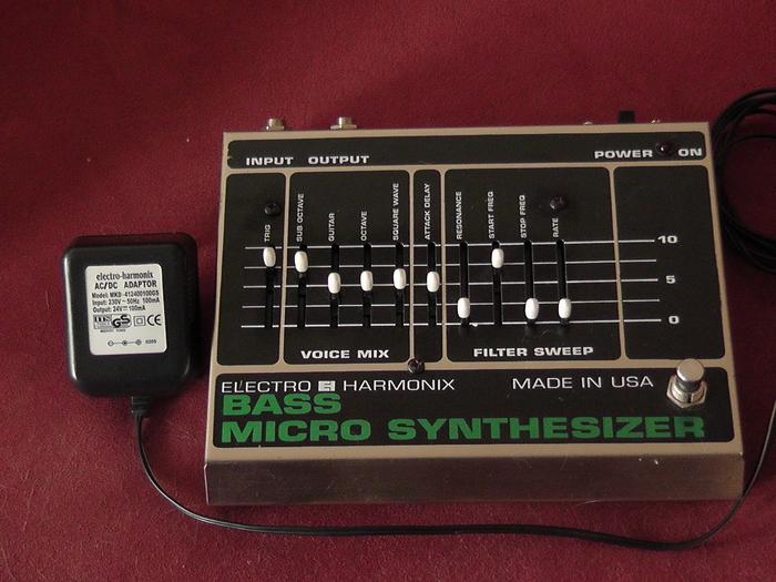 electro harmonix bass micro synthesizer original image 339181 audiofanzine. Black Bedroom Furniture Sets. Home Design Ideas