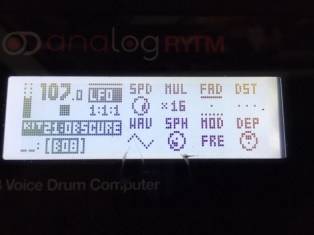 https://medias.audiofanzine.com/images/thumbs3/elektron-analog-rytm-2939066.jpg