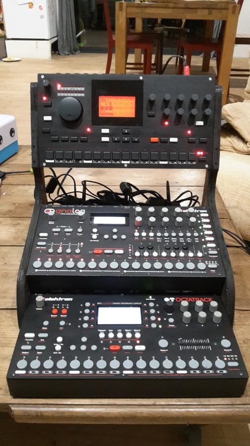 https://medias.audiofanzine.com/images/thumbs3/elektron-machinedrum-sps-1-mkii-2371653.jpg