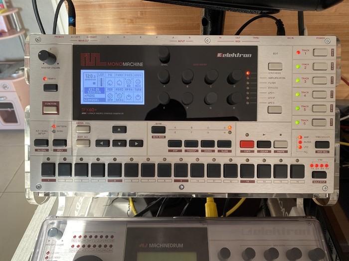 https://medias.audiofanzine.com/images/thumbs3/elektron-monomachine-sfx60-2941336.jpeg