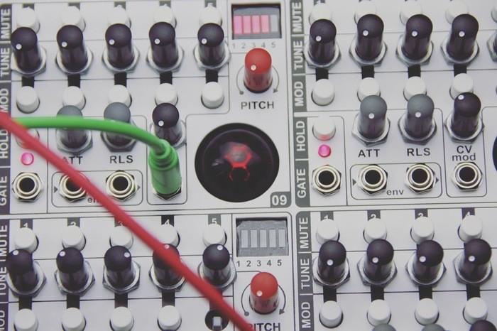 https://medias.audiofanzine.com/images/thumbs3/elta-music-solar-50-2938097.jpeg
