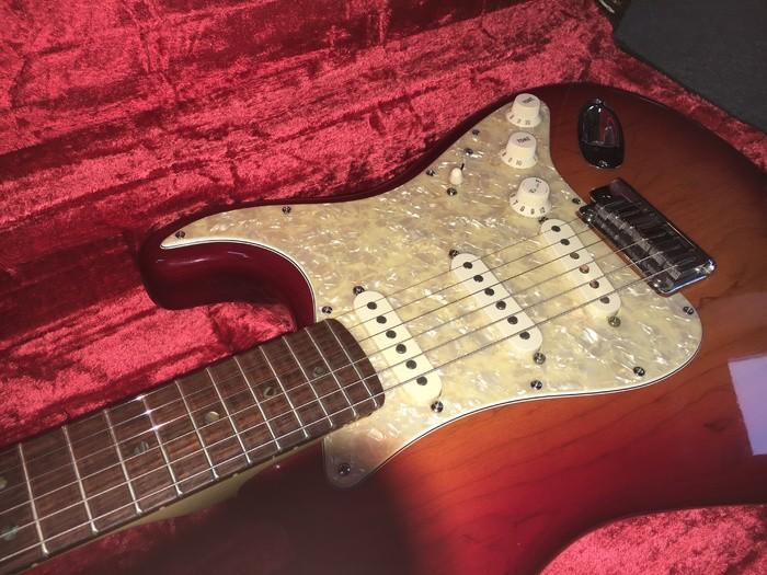 Fender American Deluxe Stratocaster [2003-2010] clarkaime images