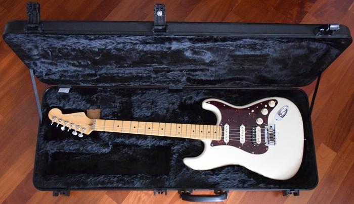 Fender American Deluxe Stratocaster HSS Shawbucker (79085)