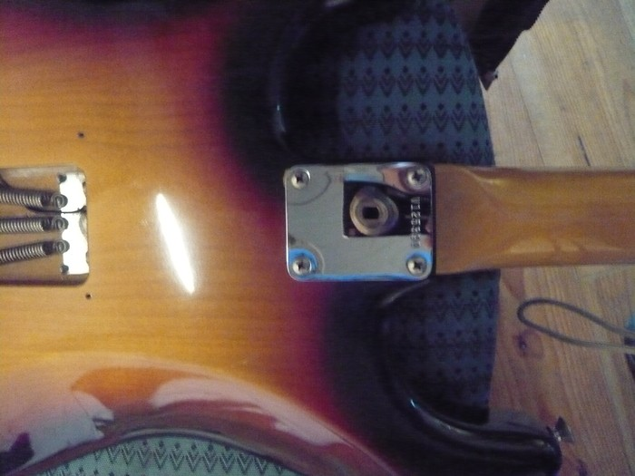 https://medias.audiofanzine.com/images/thumbs3/fender-american-vintage-62-stratocaster-2980243.jpg