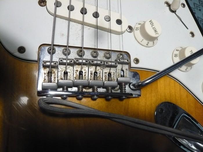 https://medias.audiofanzine.com/images/thumbs3/fender-american-vintage-62-stratocaster-2980254.jpg