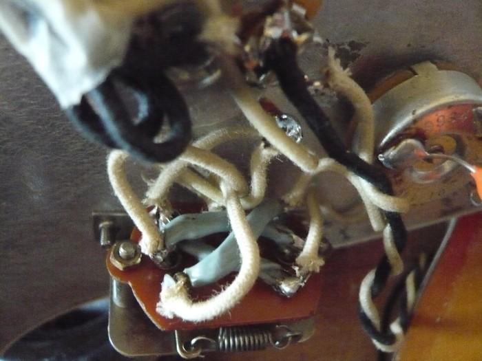 https://medias.audiofanzine.com/images/thumbs3/fender-american-vintage-62-stratocaster-2980264.jpg