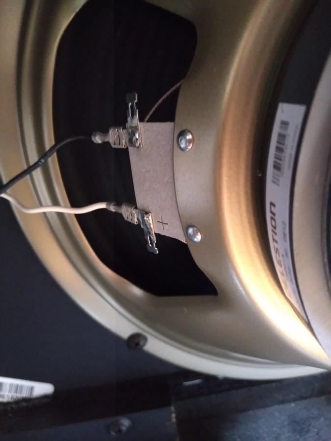 https://medias.audiofanzine.com/images/thumbs3/fender-bassbreaker-15-combo-3059564.jpg