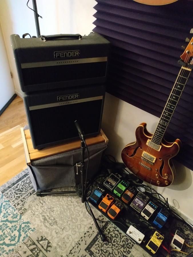 https://medias.audiofanzine.com/images/thumbs3/fender-bassbreaker-15-combo-3199826.jpg