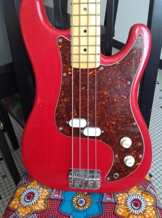 Fender Bullet Bass Deluxe B-34 (24416)