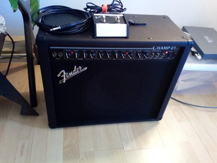 Fender Champ 25 SE (61825)