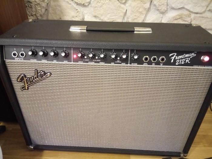 Fender FM 212R (13213)